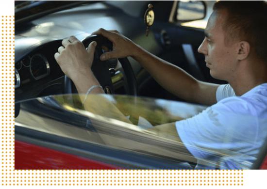 Уроки вождения в автошколе
